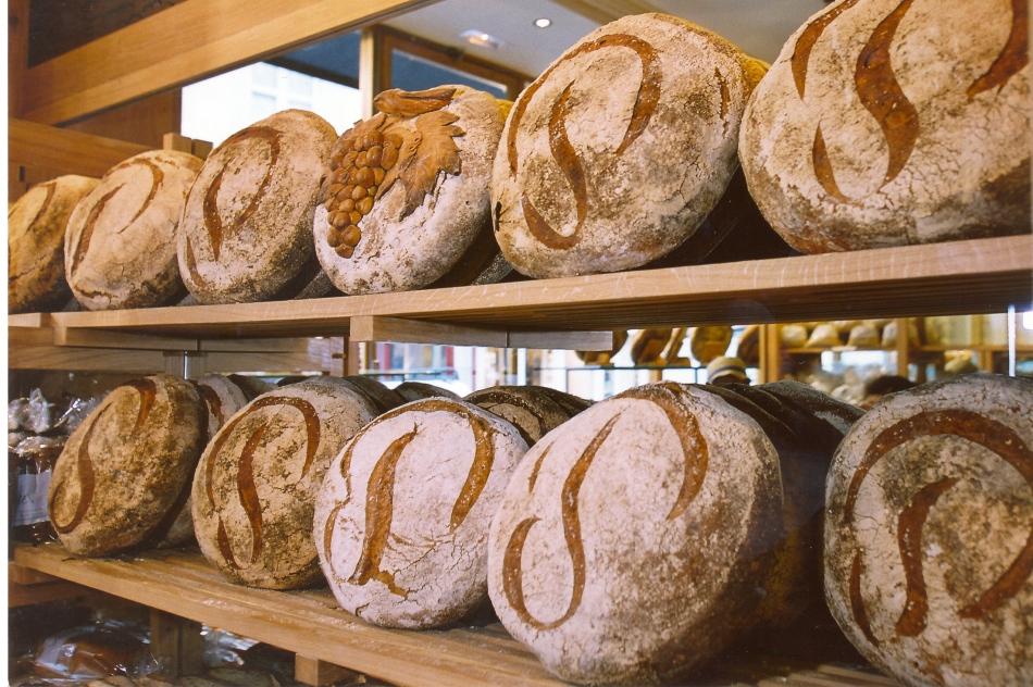 Miches Poilâne ® boulangerie Poilâne rue du Cherche Midi.jpg